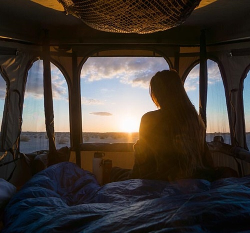 James Baroud Discovery xxl daktent kamperen zonsondergang